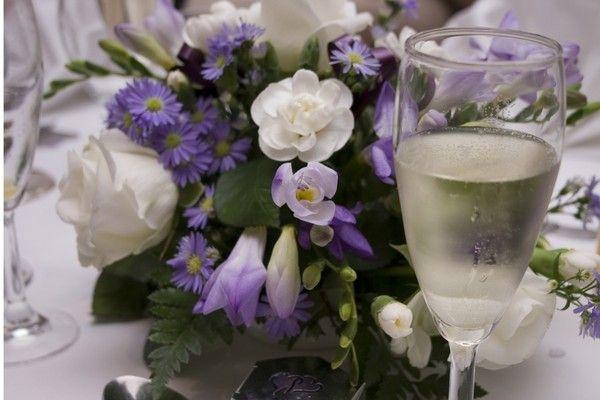 109 composition florale pour dresser votre table for Composition florale pour table